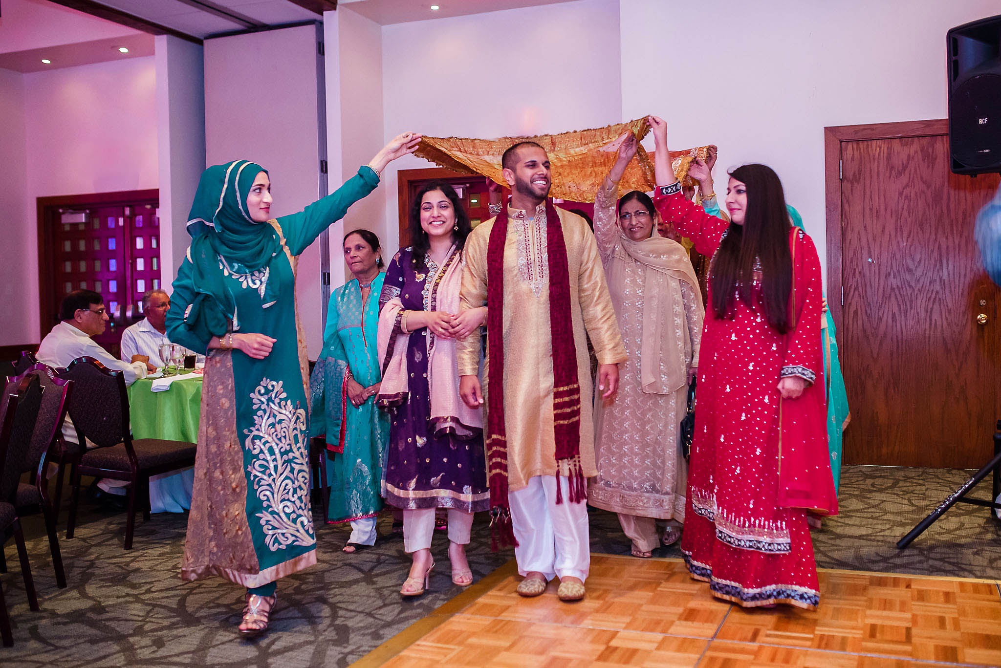 Groom arrives to mehndi party