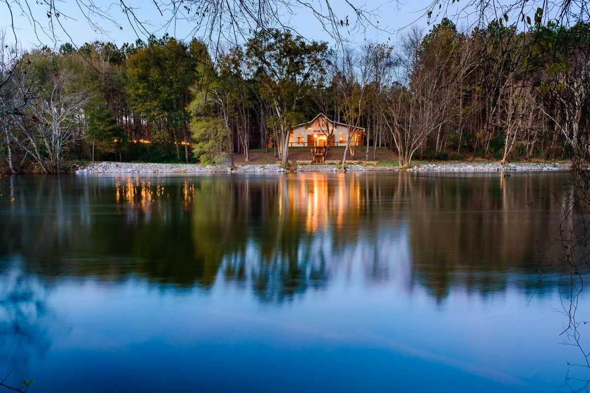 hiwassee river weddings venue reflecting in the blue water of the river in Delano TN