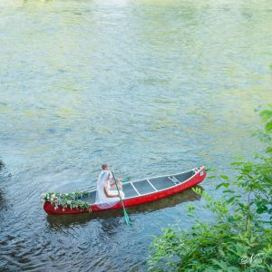 Wedding photographers dream canoe wedding