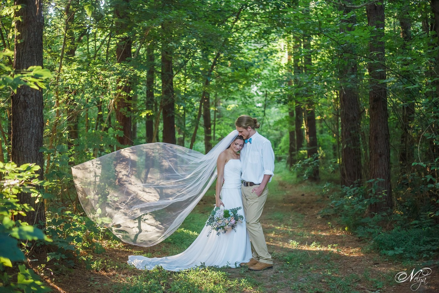 hiwassee river weddings_brides veil in sunlight