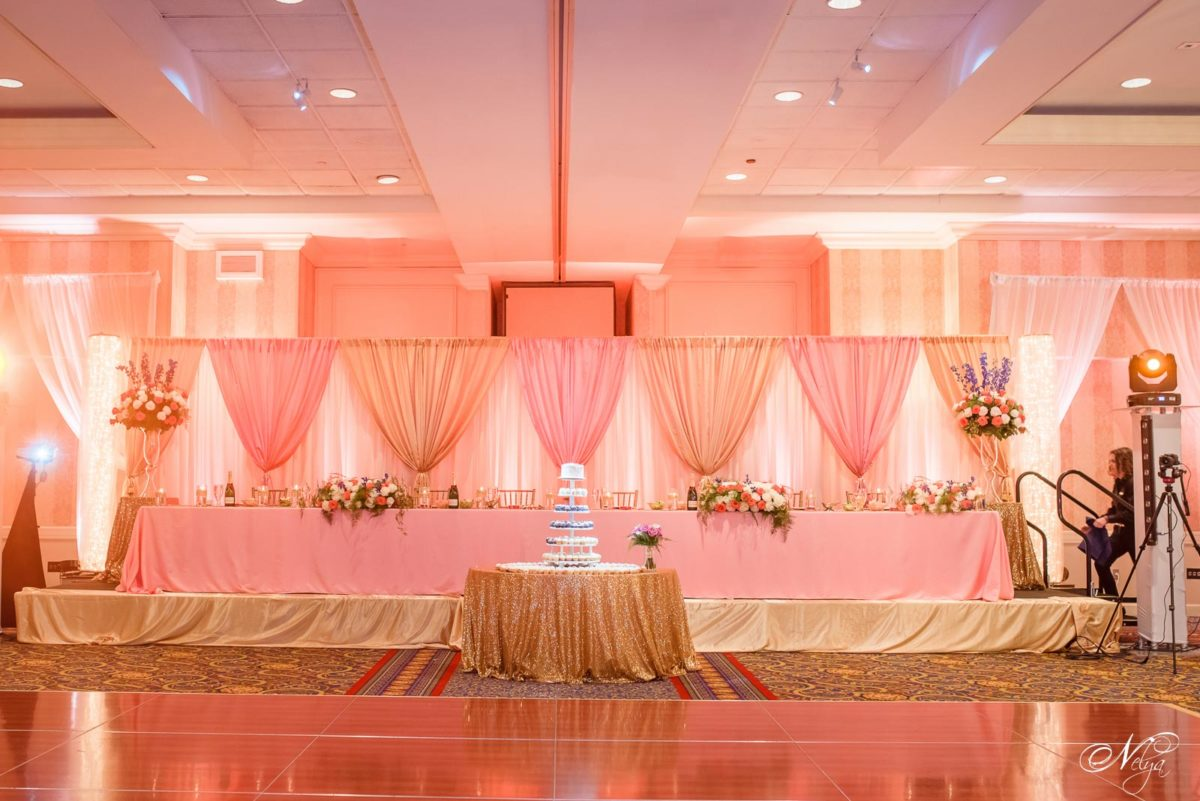 Griffin Gate Wedding Reception Lexington KY decorated in peach coaral and pink