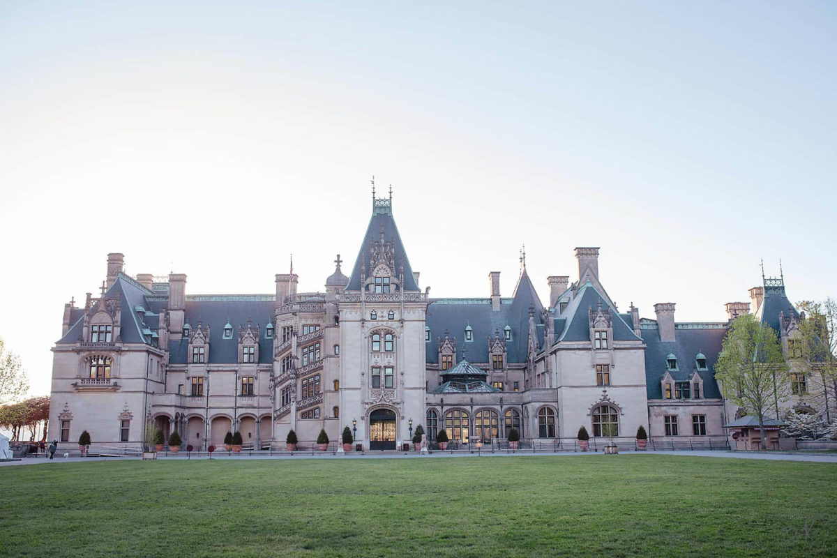 Front of biltmore house in Asheville NC without tourist in the picture