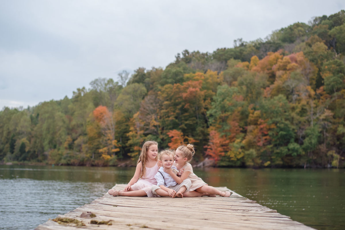 fall colors behind the dock at Melton Hill Park
