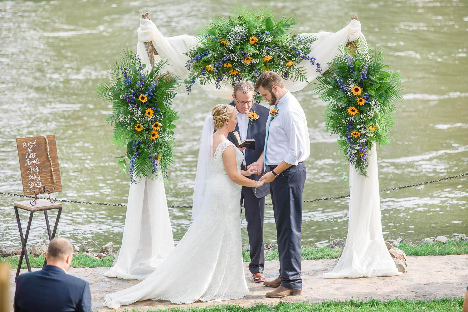 Tennessee river wedding ceremony in June