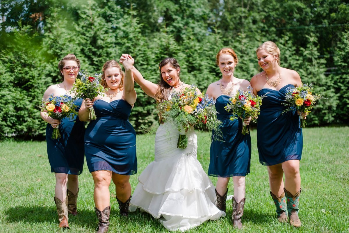 knoxville wedding partyphotos with bride and bridesmaids