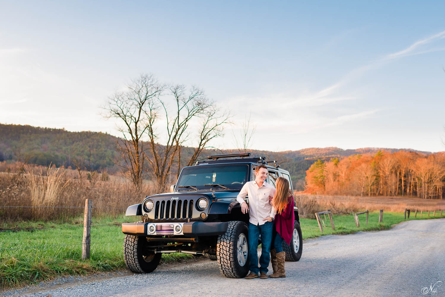 jeep owner brings jeep to his engagement session in Townsend TN