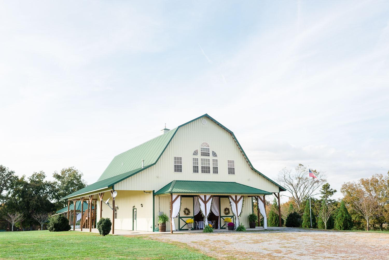 exterior of Sunrise Farm Venue in Trenton GA
