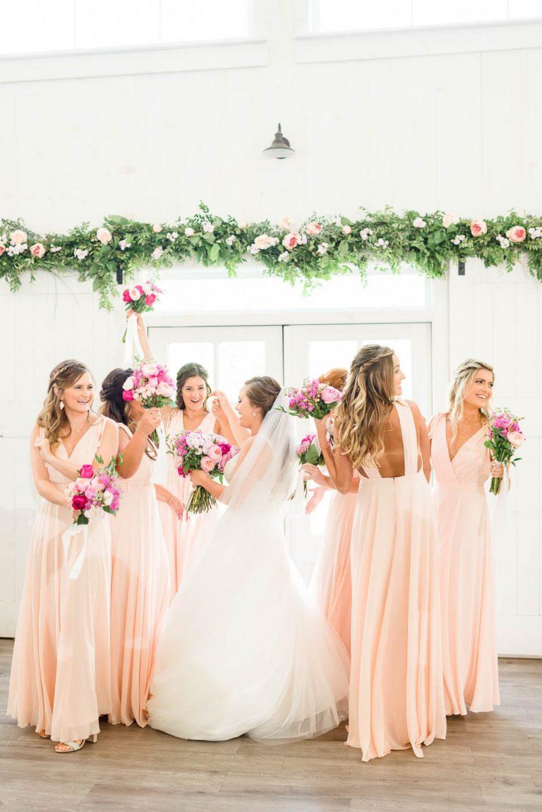 bridesmaids in Lulu's dresses at georgia wedding