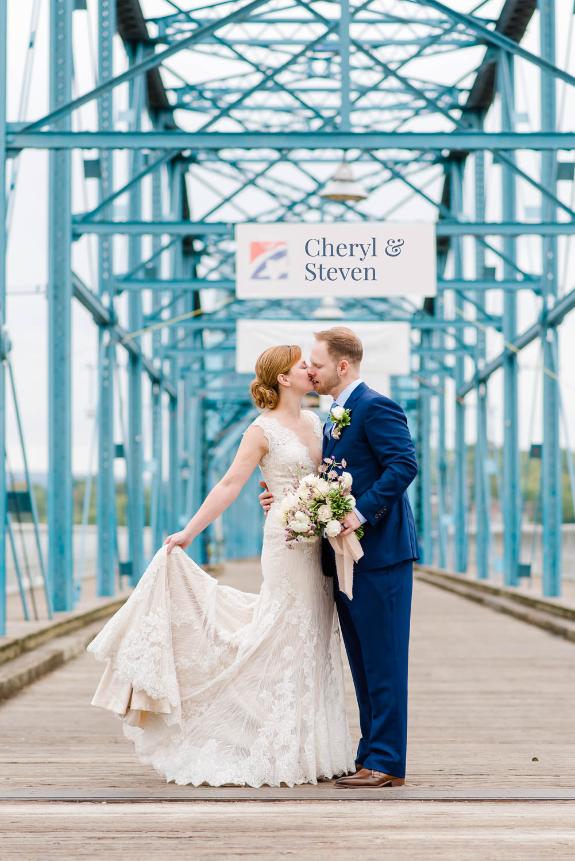 wedding portraits on the walnut street bridge in Chattanooga