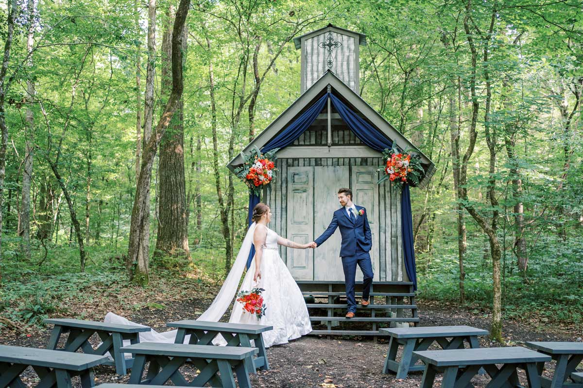 Chapel in the Hollow |A Smoky mountain wedding chapel